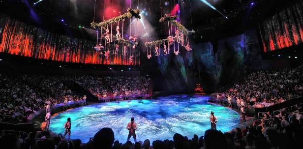 city-of-dreams-the-house-of-dancing-water-theater-01